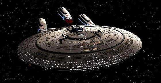 USS Enterprise NCC-1701 - F, version à trois moteurs WARP.