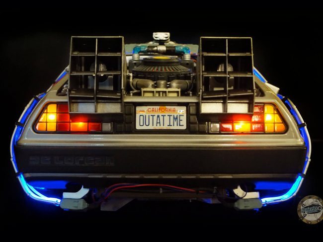 DeLorean Eaglemoss - Rear view