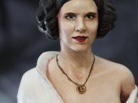Figurine princesse Leia, vue de face.